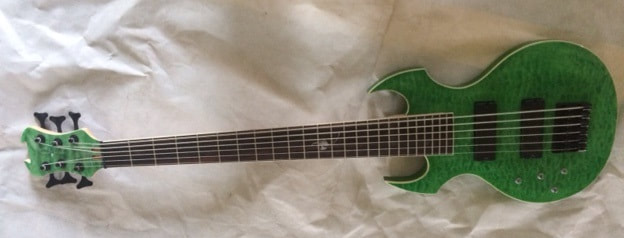 Fireplant FP-1 Custom Bass in see-thru green on quilted maple